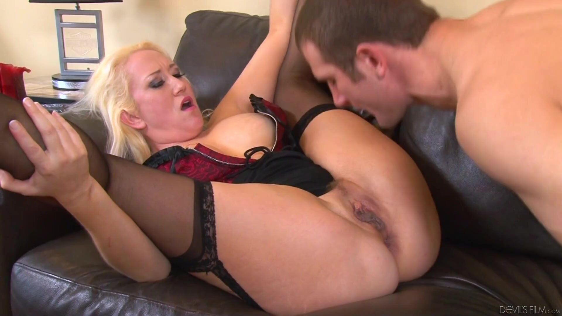 Ass Fucked Mommy In Action - Alana Evans