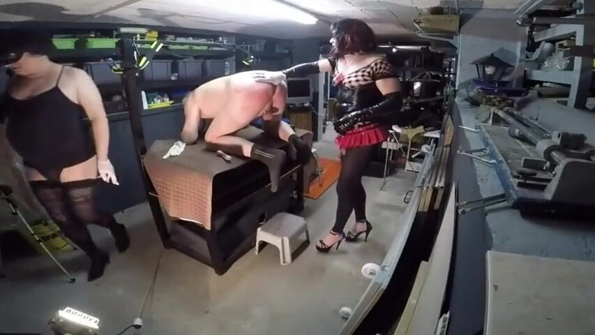 2 gurls with sub's ass 2
