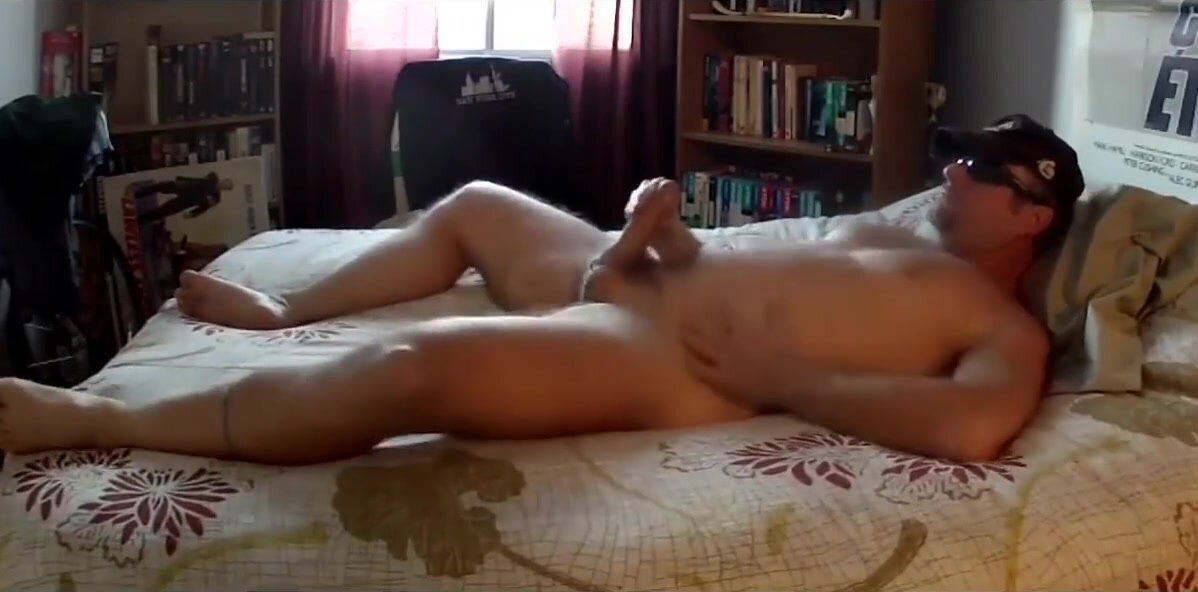 Thick Dick Daddy Jerks Off & Cums a Nice load 3