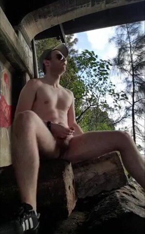 Exhibition Guy in the park for a quick wank 2