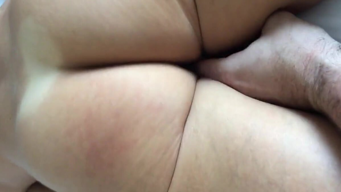 Oxfordshire Girl Cumming & spunked over 2